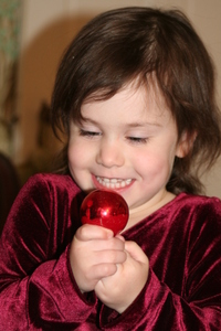 Emma_with_red_ornament